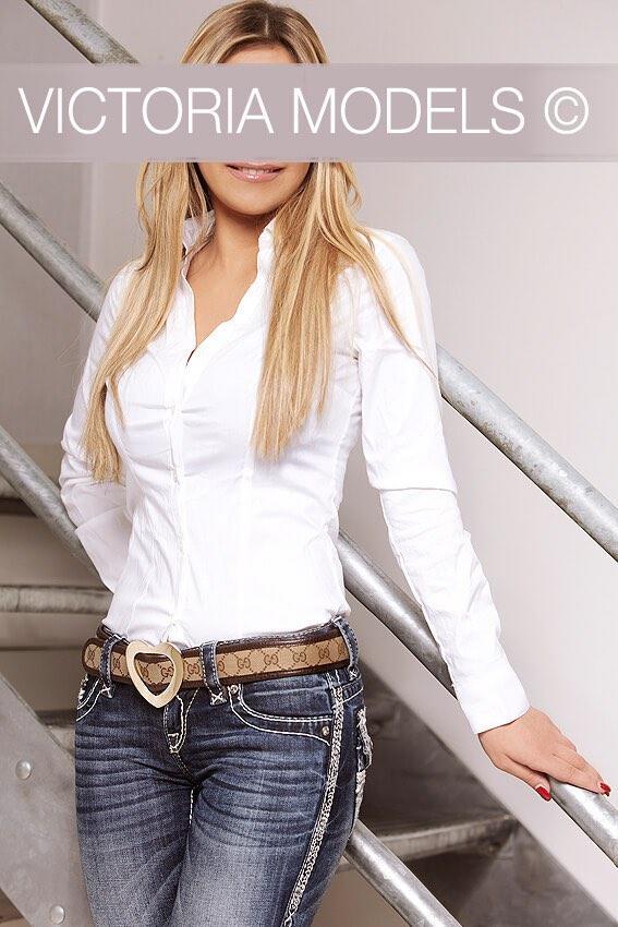 escort julia models